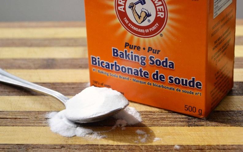 cara menghilangkan ketombe dengan baking soda