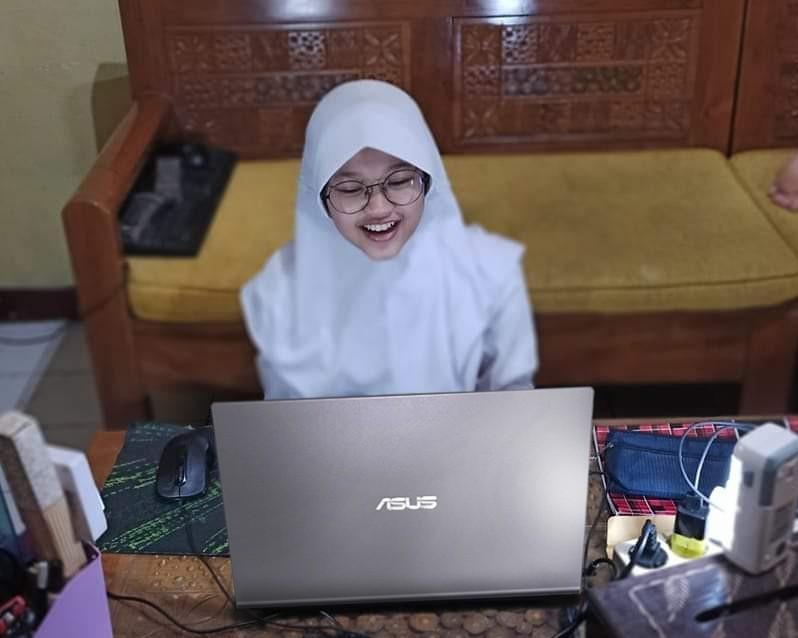 Hanum laptop asus